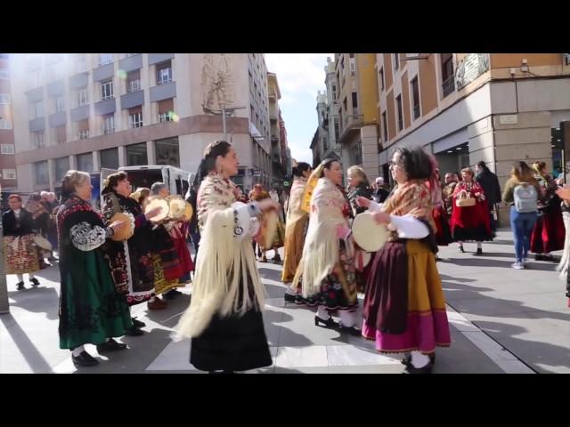 VÍDEO. Las águedas de San Lázaro bailan por las calles de Santa Clara.
