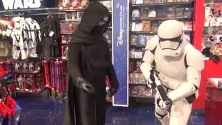 Kylo Ren goes to the mall