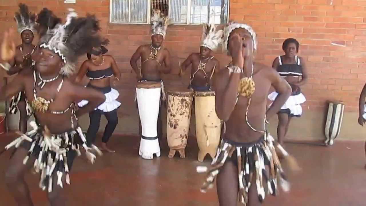 Mehndi Traditional Dance In Zimbabwe : Nengoma arts cultural dance troupe dinhe makonde