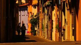 Прогулка по Римини(Прогулка по Римини: 01:02 Пляж, колесо обозрения и порт 03:50 Гранд Отель и район вилл 05:16 уютный район Сан-Джулиа..., 2014-11-08T08:24:38.000Z)
