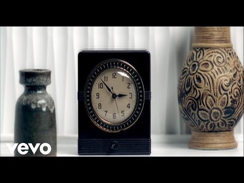 Shelby Lynne – Anyone Who Had A Heart #CountryMusic #CountryVideos #CountryLyrics https://www.countrymusicvideosonline.com/shelby-lynne-anyone-who-had-a-heart/ | country music videos and song lyrics  https://www.countrymusicvideosonline.com