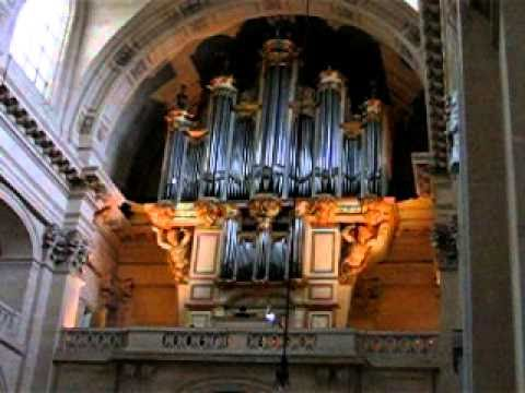 Church organ Les Invalides Paris
