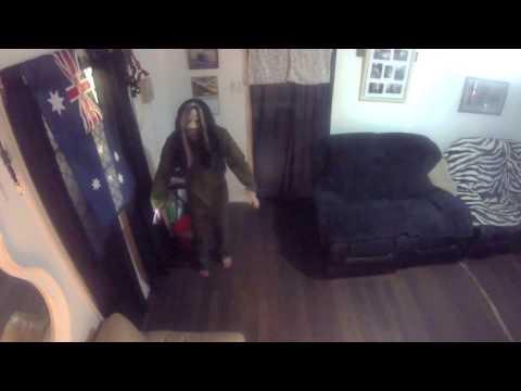 Long wait to scare my Husky's prank (ROB ZOMBIE)