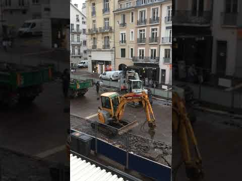 A Grenoble la place Grenette a entamé sa mue