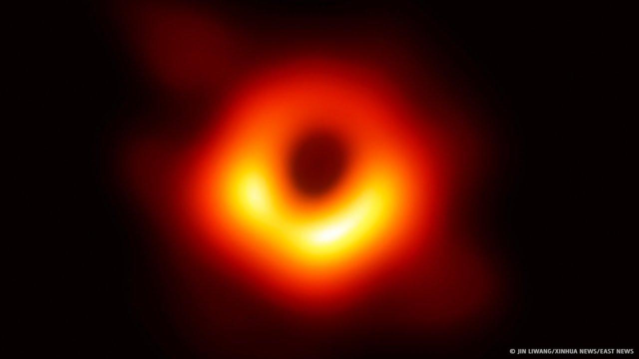 Das erste Black Hole-Bild, das jemals veröffentlicht wurde + video