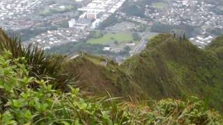 Hiking in Oahu, Hawaii - Stairway to Heaven