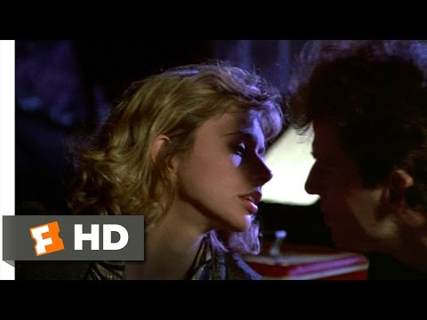 Desperately Seeking Susan (5/12) Movie CLIP - Rooftop Kiss (1985) HD