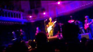 Raphael Saadiq - Just Don't (live in Amsterdam)