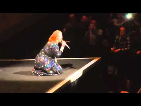 Adele live tour 2016 funny moments-part 3
