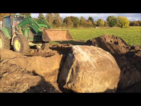 Kivide kaevandamine Saaremaal / removing the big stones on Saaremaa island, Estonia