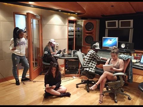 FIFTH HARMONY: Recording Studio
