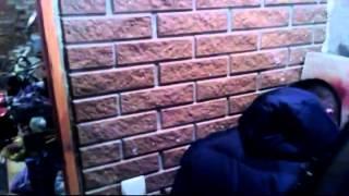 Укрофашисты врываются в жилой дом, избивают хозяина, крадут ценные вещи и алкоголь(, 2015-02-14T15:42:51.000Z)