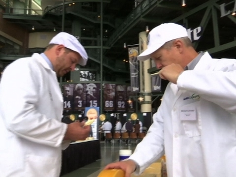Best US Cheesemakers Compete in Wisconsin