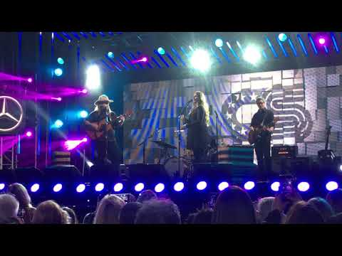 "Chris Stapleton ""Broken Halos"" Best Live Performance Mp3"