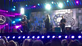 Live Chris Stapleton performs Broken Halos at the Jimmy Kimmel Show...