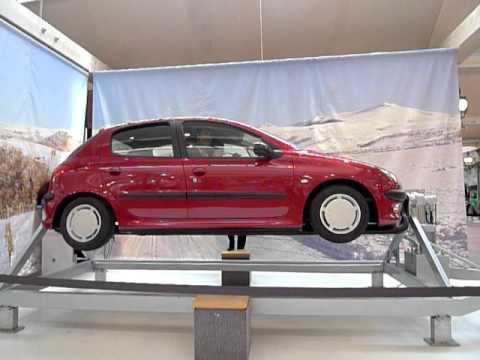 cit de l 39 automobile mulhouse simulateur de tonneaux en voiture youtube. Black Bedroom Furniture Sets. Home Design Ideas