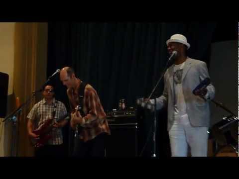 Ricco Ross sings What I Say .MOV