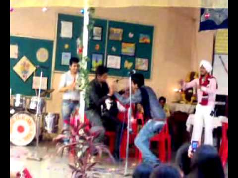comedy bollywood play\act