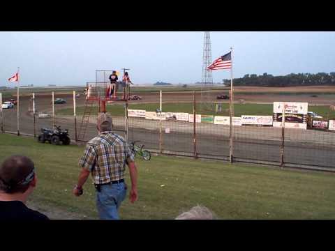 101 0688 2015-08-29 Devils Lake Speedway Pure stock heat 1 part 1