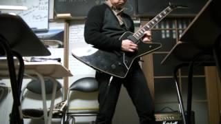 30年以上前のギターフレーズなのにカッコイイ!