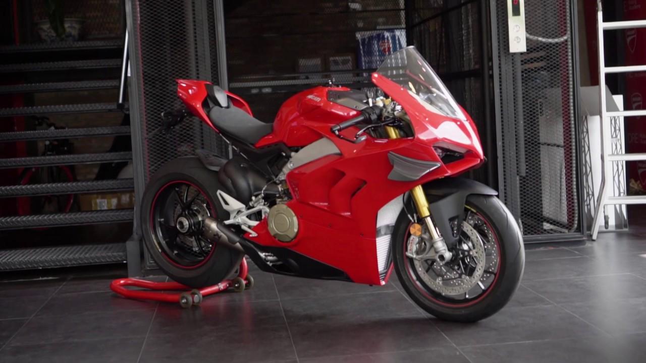 Nâng cấp cánh gió carbon  cho Ducati Panigale V4s