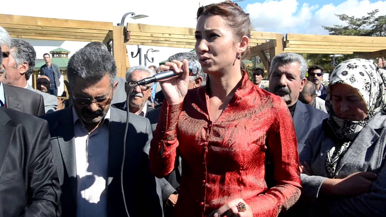 Erciş Belediyesi yeni araç filosunu tanıttı