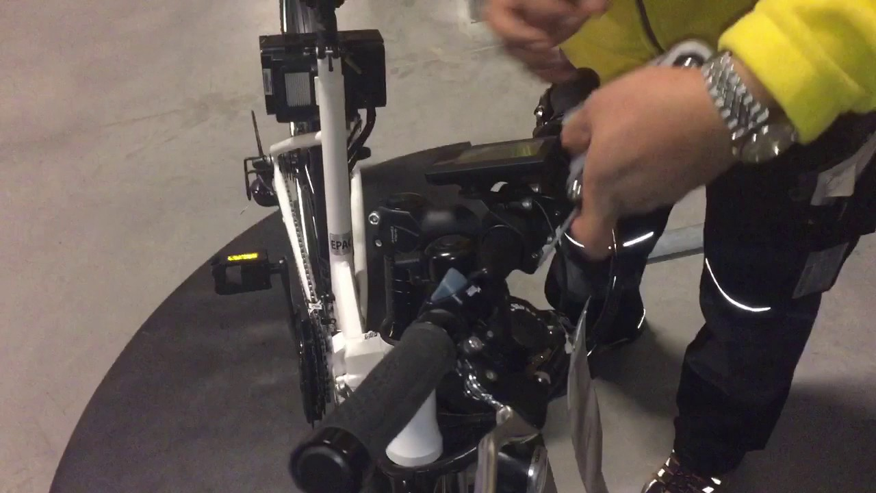 folkvanlig ikea e bike remove the back wheel folkv nlig youtube. Black Bedroom Furniture Sets. Home Design Ideas
