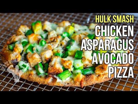 hulk-smash-chicken,-asparagus,-avocado-pizza-/-pizza-de-pollo,-espárragos-y-aguacate
