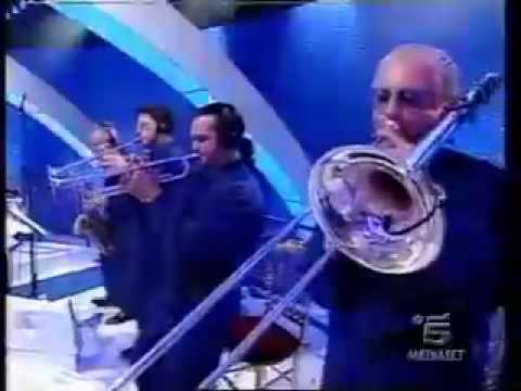 [Gruppo Italiano] Tropicana Live a La Notte Vola.flv