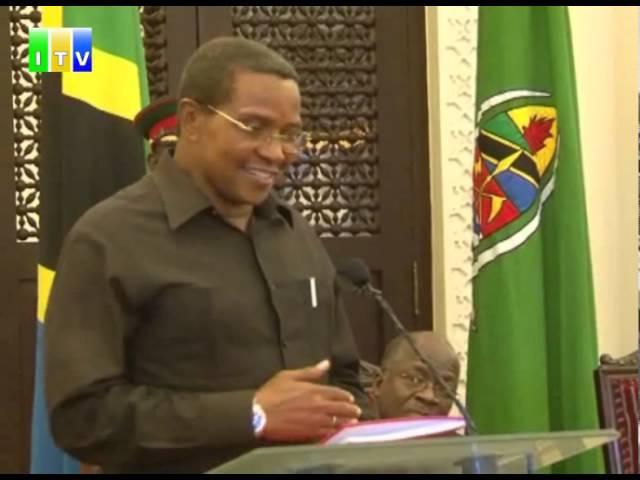 Rais mstaafu Dr Kikwete akabidhi rasmi ofisi kwa rais wa awamu ya tano Dr Magufuli.