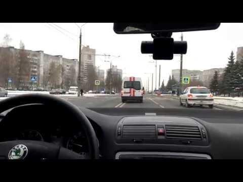 видео: ГАИ сопровождали скорую на реальный вызов: как уступают дорогу