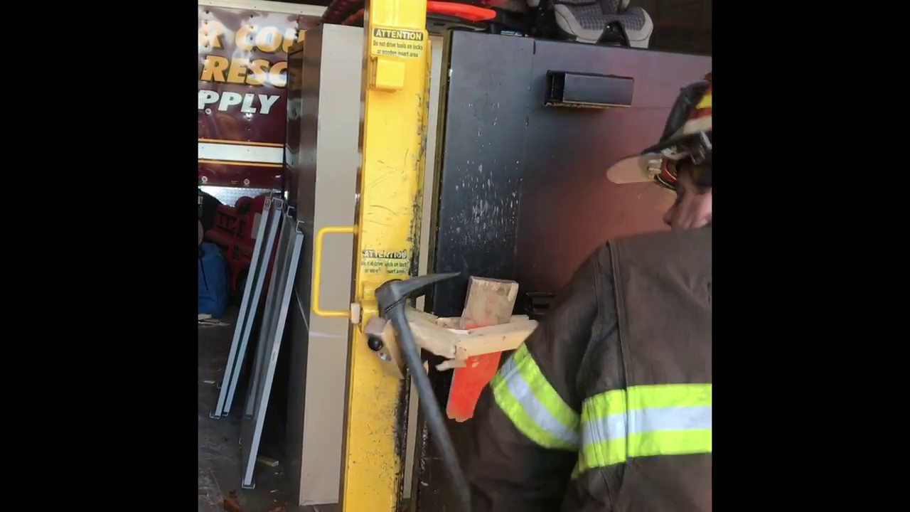 Forcible Entry Aluminum Wedge Outward Swinging Door Youtube