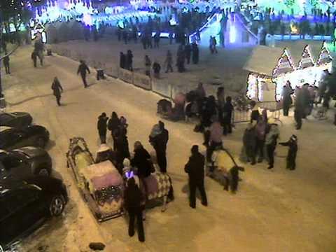 Появилось видео ЧП с лошадью, сбившей трех женщин на пермской эспланаде