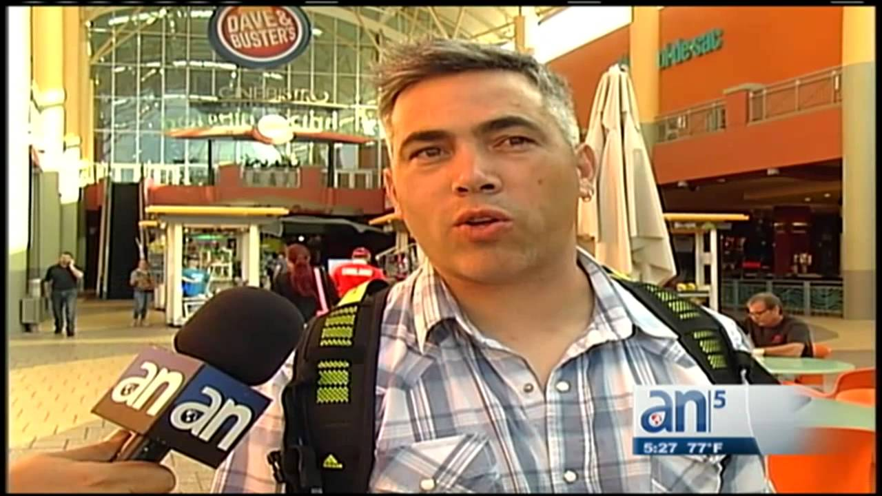 0497783d6 Compras de Black Friday en tiendas de Miami - América TeVé - YouTube
