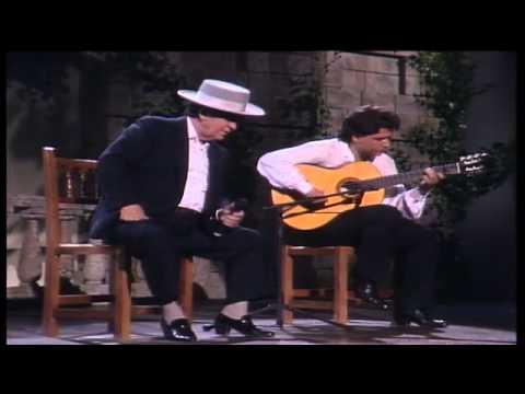Juanito Valderrama canta