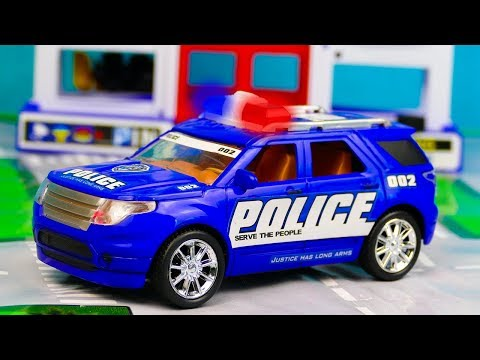 Полиция делает ловушку для машинок и замораживает гоночные машинки 331-340 Серии