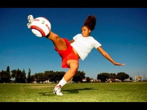 The Battle: Soccer Girl vs. freekickerz  Who is better in soccer? - YouTube