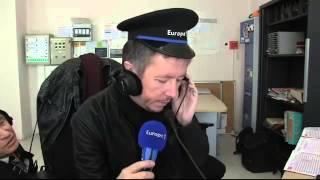 Gage: Jean-Luc Lemoine joue le chef de gare