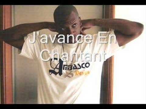singuila javance en chantant