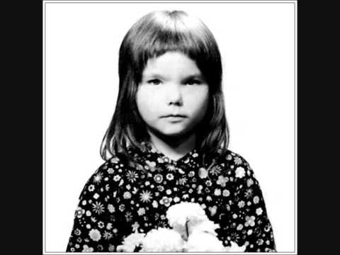 """Hear 11-Year-Old Björk Sing """"I Love to Love"""": Her First Recorded Song (1976)"""