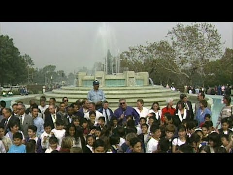 Visiting with Huell Howser: Mulholland Fountain