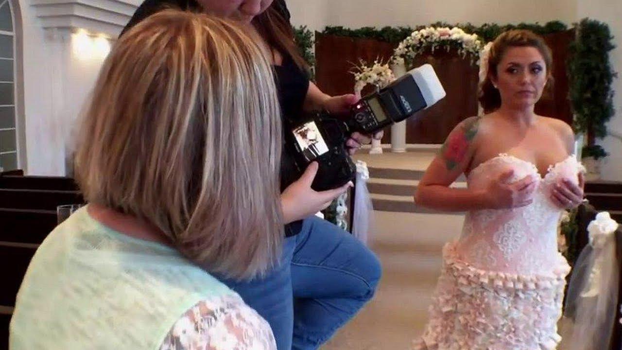Die Mutter näht ihrer Tochter ein Hochzeitskleid - Als sie es sieht ...