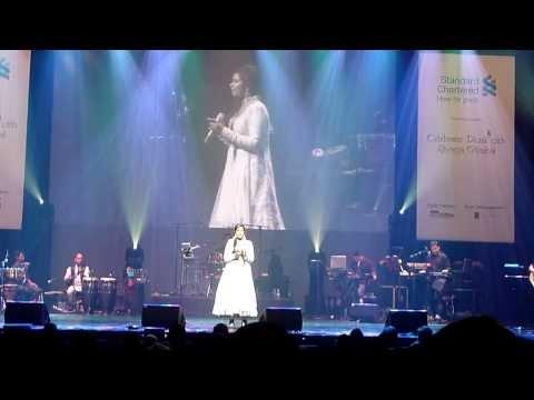 Shreya Ghosal LIVE inSingapore 31 October 2012 06 Ajeeb daastaan