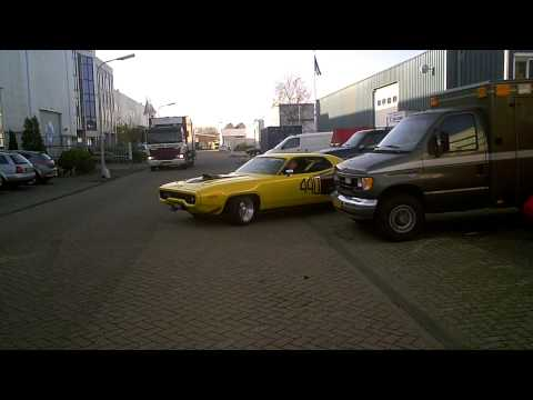 1971 Plymouth 440 GTX + real sounds !!