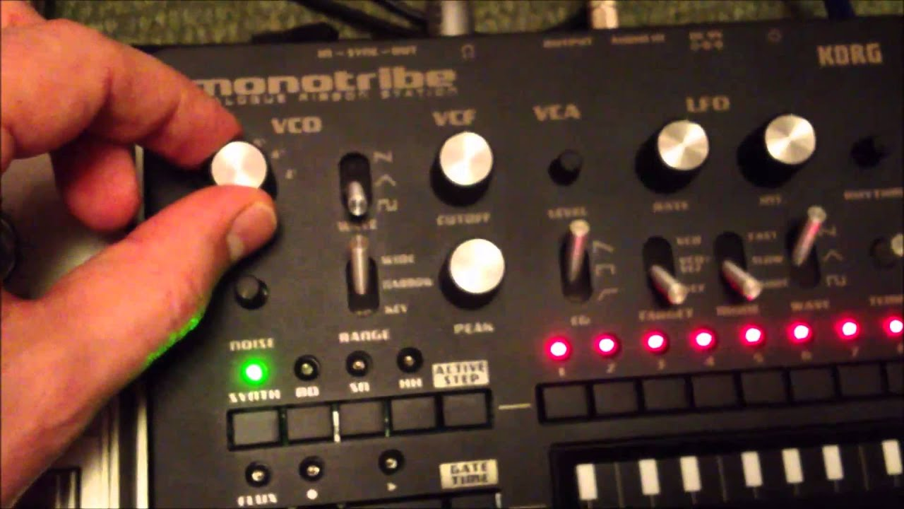 roland tb-303 sequencing korg monotribe using cv gate breakout box