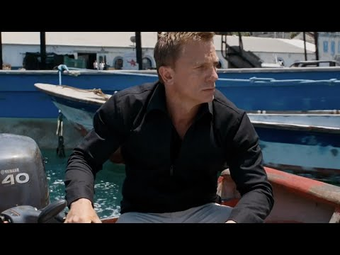 QUANTUM OF SOLACE | Boat chase