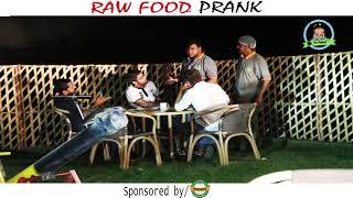 | RAW FOOD PRANK | Kacha Gosht By Nadir Ali & Sanata In | P4 Pakao | 2017