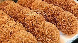 Thai's Snack Crispy Flower Cookies _ How to make Coconut Sesame Flower Cookies