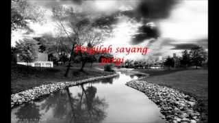 Repeat youtube video SanoTri - Penggantiku (lirik)
