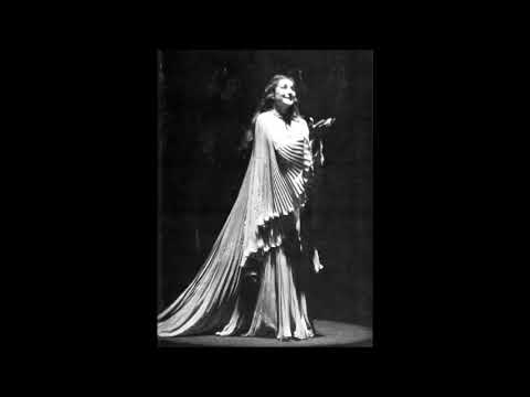Maria Callas' Ingenious use of Excessive Vocal Dynamics and Chromatics
